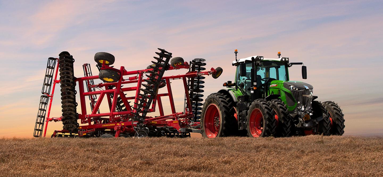 Fendt Tractor pulling Sunflower Tillage Equipment